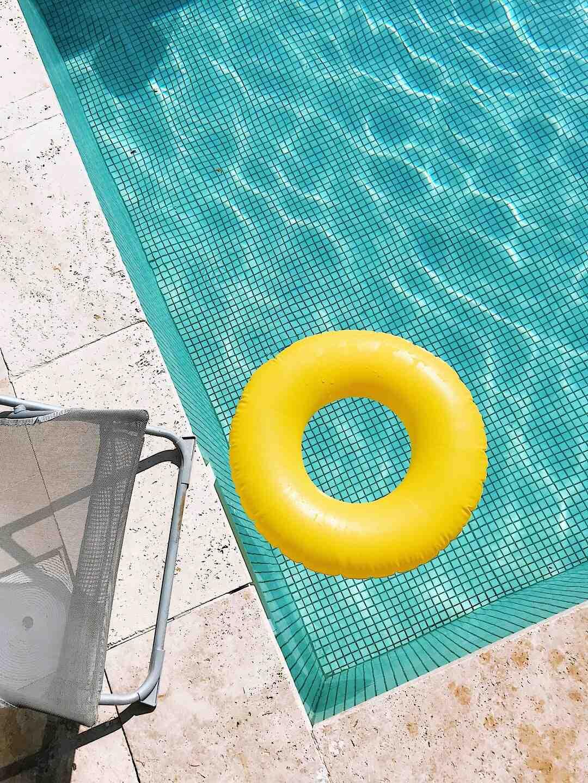 Comment entretenir l'eau piscine ?