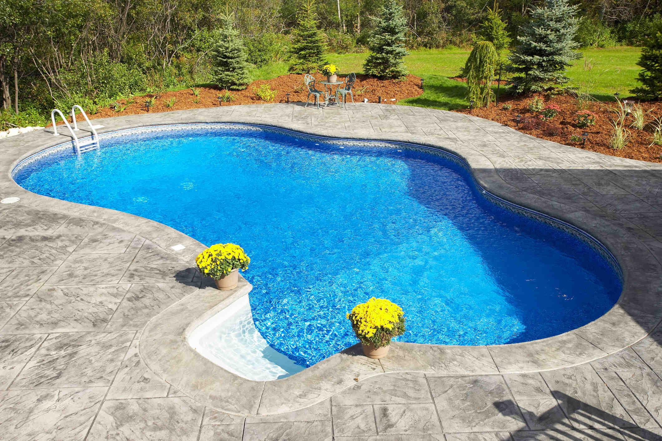 Comment fonctionne une pompe de piscine