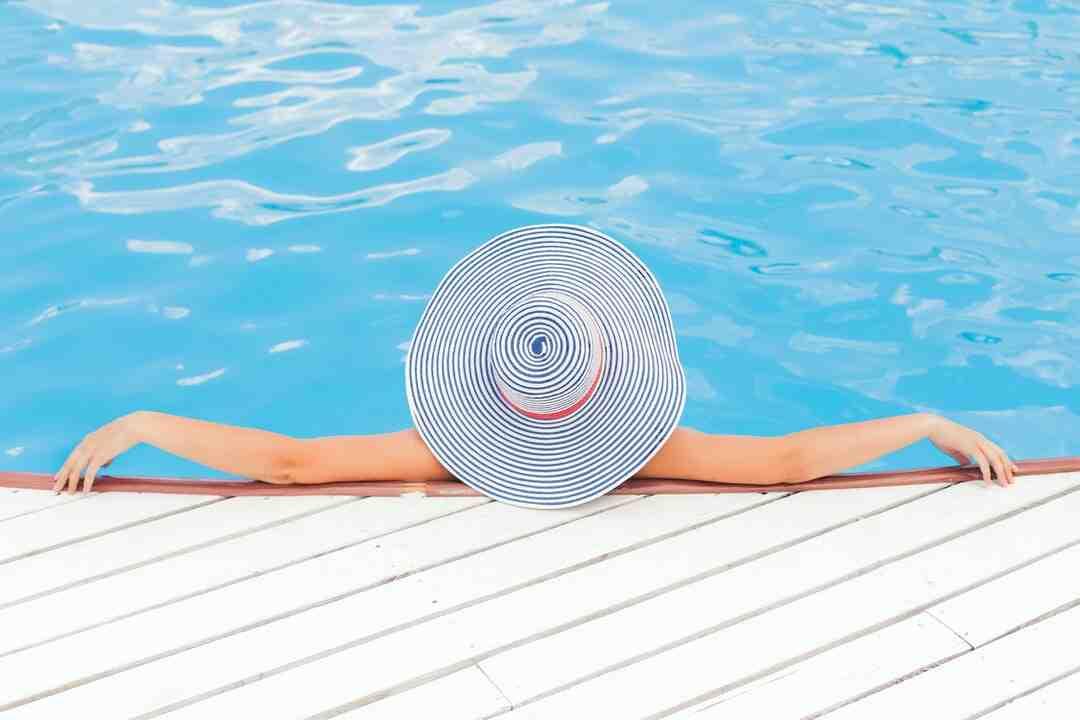 Comment nettoyer piscine avec balai aspirateur